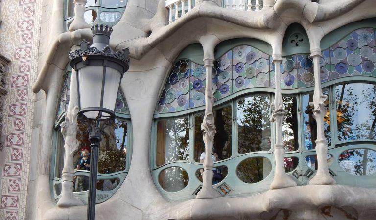 La Casa Batlló forçada a tancar per destrosses i agressions a causa d'un conflicte laboral