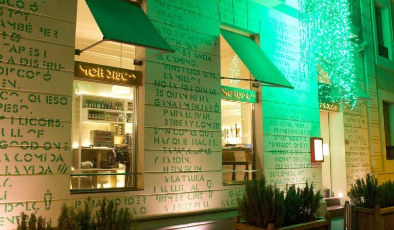 """El Restaurant """"ElMordisco"""" de Barcelona desafia a la Generalitat i no tanca"""