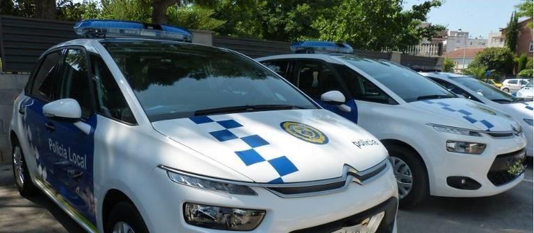 Cremen un cotxe de policia a Sant Andreu de la Barca i amenacen que no pararan fins a fer alguna cosa més gran.