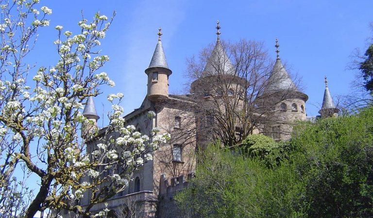 Història de La Torre de Riu a Alp, un dels castells més emblemàtics de la Baixa Cerdanya
