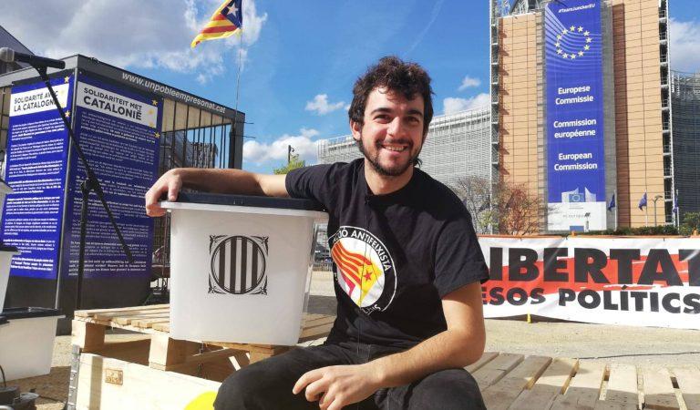 Adrià Carrasco torna a casa després de quasi tres anys a l'exili.