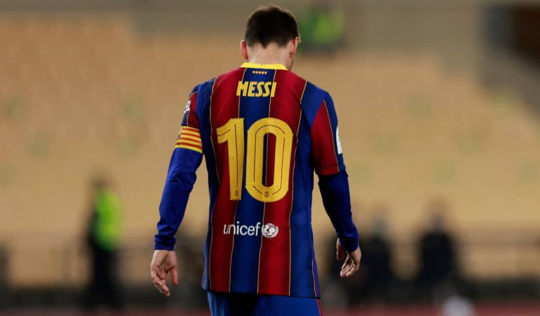 Aquesta mitjanit Leo Messi deixarà de ser jugador del Barça si no arriben a un acord abans