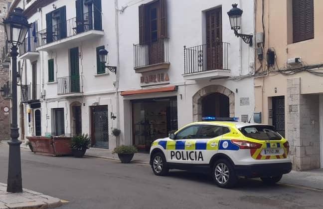 La policia local de Sitges intercepta un vehicle conduït per un nen de nou anys