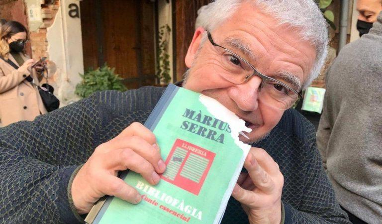 Els llibreters reivindiquen el seu paper essencial editant un llibre comestible