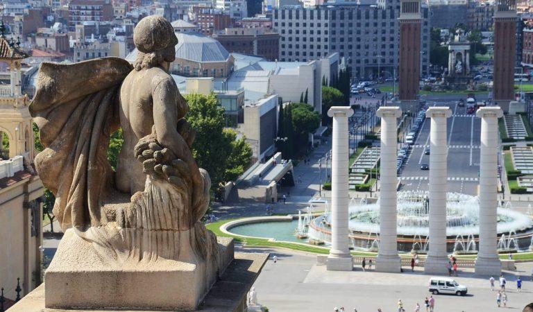 Sabeu quin és el monument públic més antic de la ciutat de Barcelona?