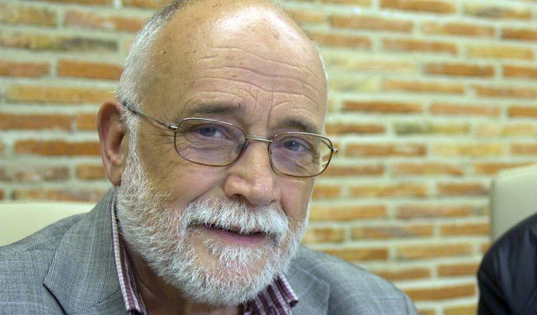 Mor l'economista i gran defensor de la pau i els drets socials, Arcadi Oliveres.