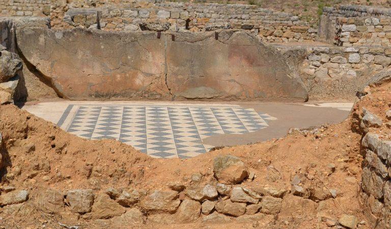 Les obres del col·lector de la Diagonal de Barcelona treuen a la llum restes arqueològiques anteriors a l'Eixample.