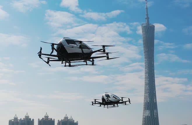 Una empresa xinesa tria l'aeroport de Lleida-Alguaire per instal·lar el seu primer centre de drons amb passatgers.