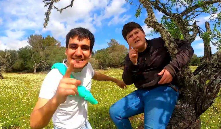 LoPau de Ponts acompanyat de Miquel Montoro canta Sigues Tu – Lletra i Videoclip