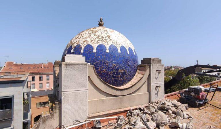 Polèmica per la restauració del Teatre Jardí de Figueres en la que no respecten el trencadís original de les cúpules.