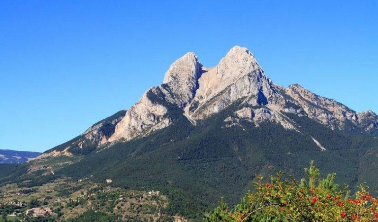 El Pedraforca, la muntanya màgica de Barcelona i les seves llegendes.