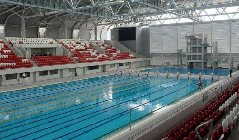 Cent anys de la primera piscina coberta de l'Estat. Voleu saber on era?