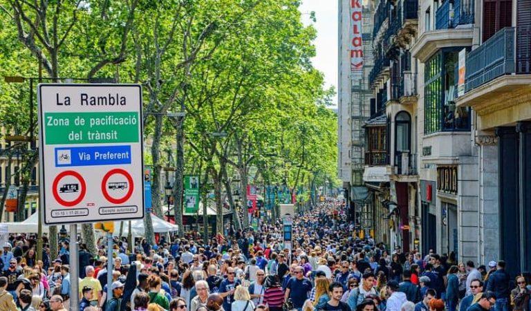 Tres carrers de Barcelona en el 'Top 10' dels carrers més transitats d'Europa