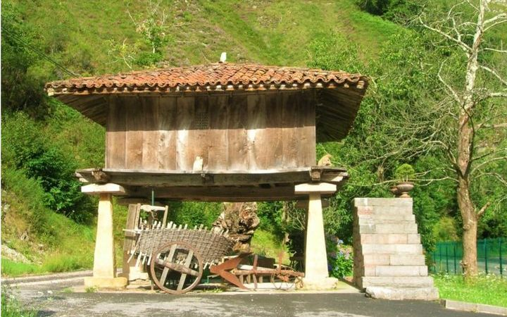 Sabíeu que a Barcelona tenim unHórreocoms els que podem trobar a Galícia o Astúries?