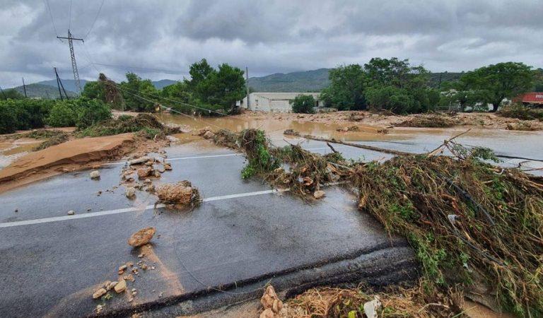 Protecció Civil manté l'alerta per inundacions. Imatges devastadores dels aiguats d'avui a Tarragona