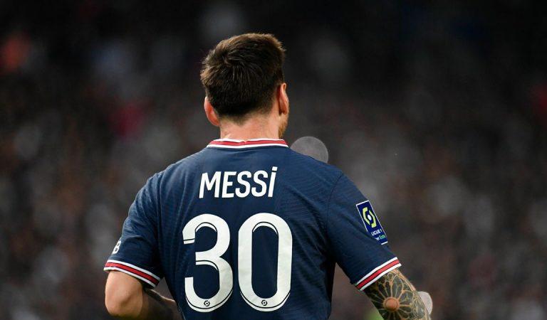 La reacció de Messi a la seva substitució faltant un quart d'hora per acabar el partit.