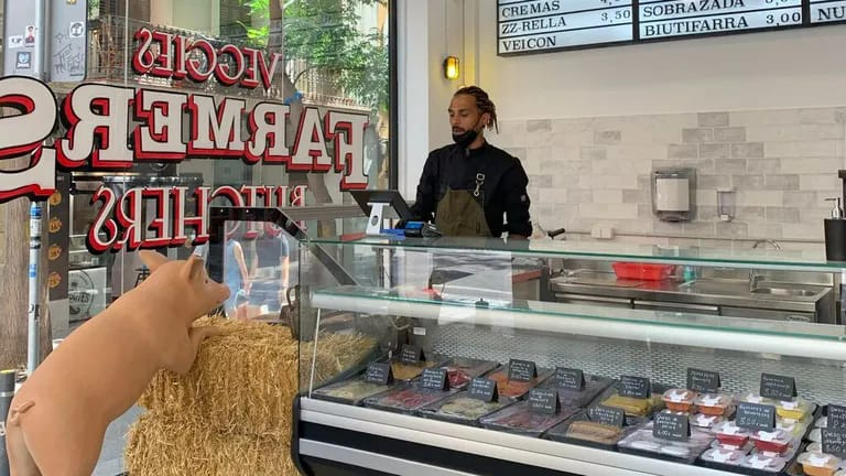 Obre la primera carnisseria 100% vegana de Barcelona