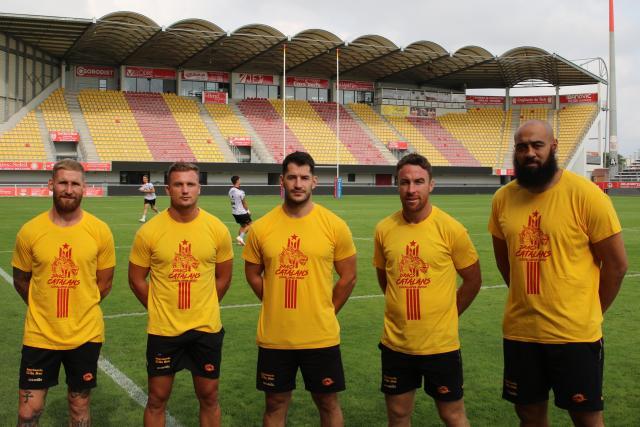 💕 Emocionant cant dels Segadors a Old Trafford en la final que disputen els Dragons Catalans