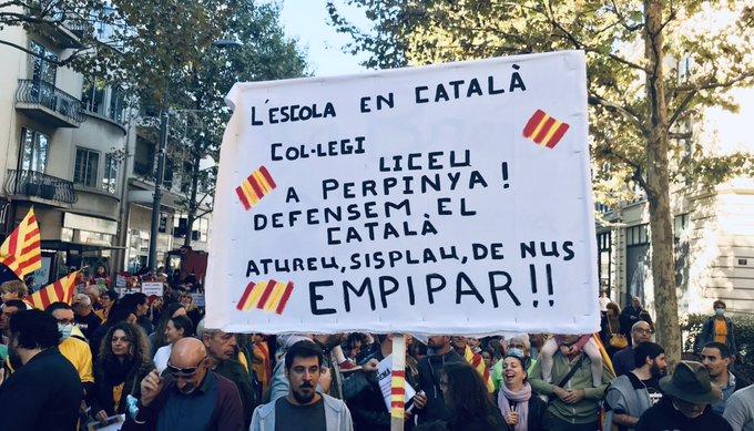 Perpinyà es manifesta en contra l'extrema dreta d'Aliotreivindicant una escola en català